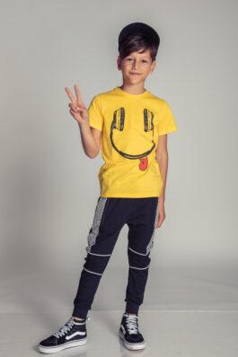 מכנסיים עם חתכים